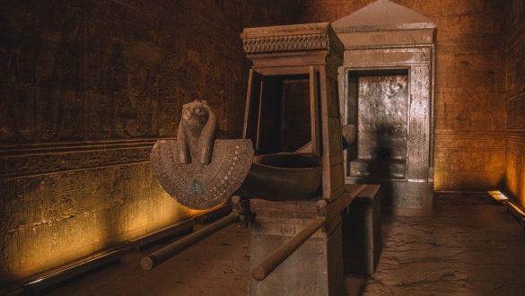 Zuilenhal Tempel van Horus