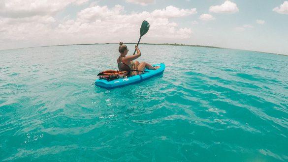 Canoeing on Laguna Bacalar / La Laguna de los Siete Colores